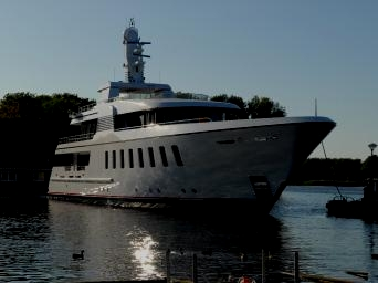 MY Secret - Feadship Van Lent 795
